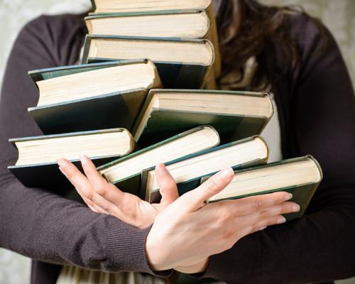 Где и как можно сдать за деньги и бесплатно ненужные книги