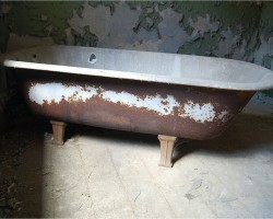 Как заказать бесплатно вывоз чугунной ванны в Москве